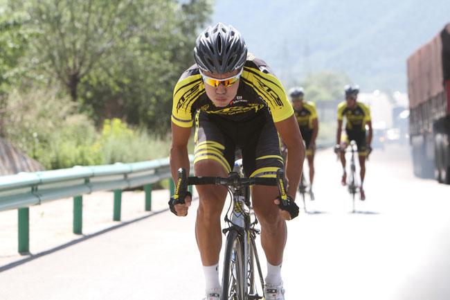 骑前热身,monton骑行服,RTS车队
