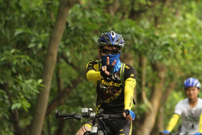 脉腾车队,monton,路虎骑行服,老虎衣,自行车运动