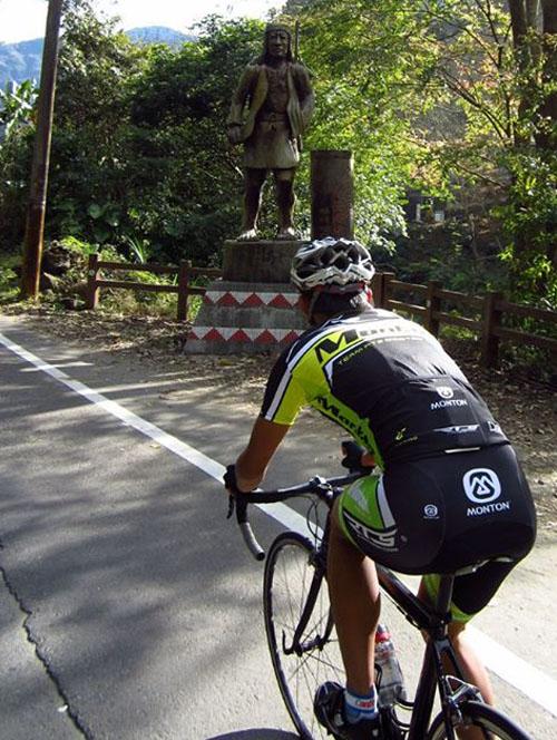 monton车队,路虎骑行服,老虎衣,骑行拉练,自行车运动,骑车技巧