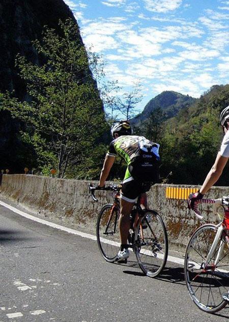 monton车队,路虎骑行服,骑行技巧,自行车装备,户外运动