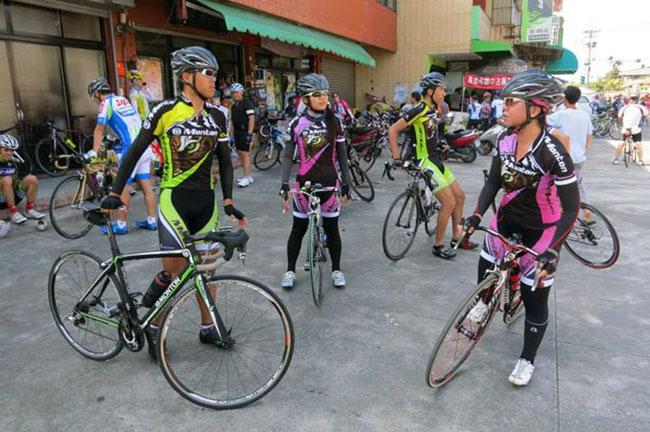 monton车队,路虎骑行服,老虎衣,自行车服饰,户外活动