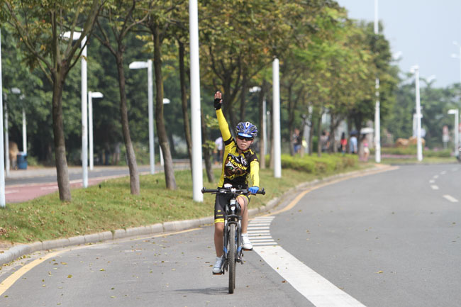 monton车队,骑行技巧,路虎骑行服,老虎衣,自行车训练,户外运动