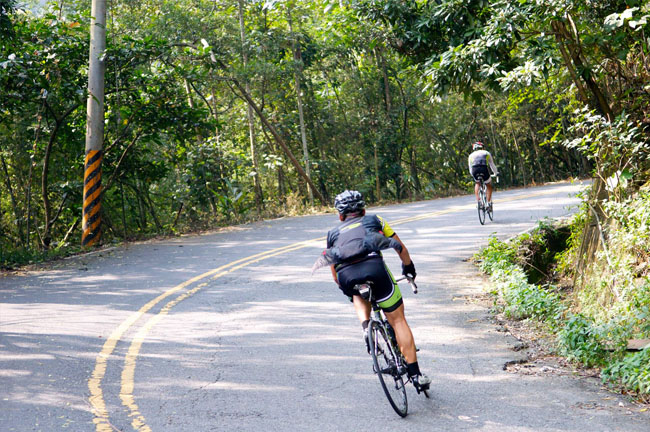 monton,骑车技术,骑行装备,原创骑行服,路虎骑行服,老虎衣骑行服,自行车车队