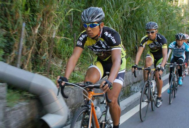 monton,户外骑行,自行车运动,monton车队,路虎骑行服,老虎衣