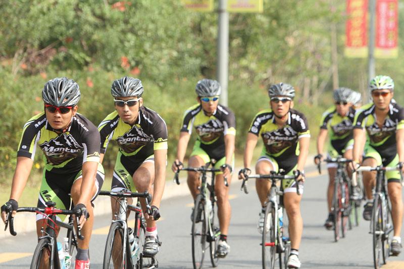 monton车队,冬季骑行,骑行装备,自行车保养,路虎骑行服,老虎衣,户外运动