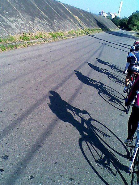 monton车队,公路车,自行车技术,路虎骑行服,老虎衣,户外运动,骑行装备