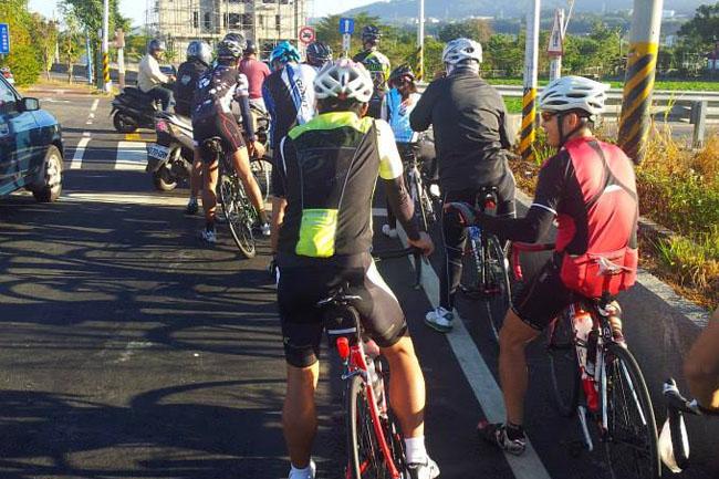 monton,自行车,户外运动,骑行装备,路虎骑行服,老虎衣,单车旅游