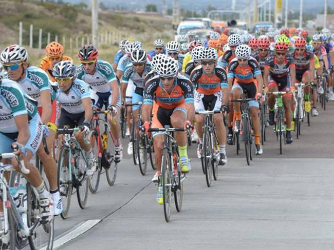 环门多萨自行车赛,monton车队