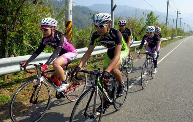 骑行锻炼,脉腾国际